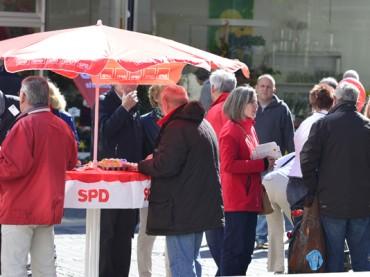 Parteien suchen Kontakt zum Bürger