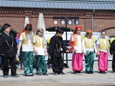 """Kinderfest Nisan 23: """"Hier begegnen sich Schwerter"""""""