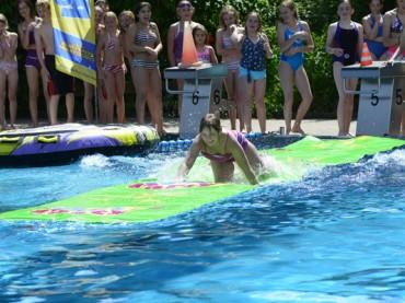 Chillige Pool-Party im Elsebad – Jetzt suchen die Stadtwerke Stadtbad-Gesichter