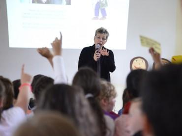 Landtagspräsidentin Carina Gödecke besucht Schülerinnen und Schüler der Friedrich-Kayser-Schule