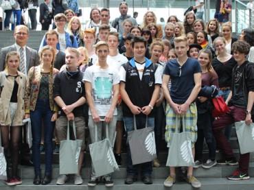 Unterwegs im politischen Berlin: Schülerinnen und Schüler des RTG besuchen Oliver Kaczmarek