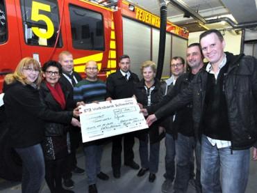 Ergster für Ergster: Volksbühne spendet an die Feuerwehr