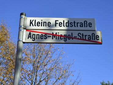 Perfekt: Agnes-Miegel Straße heißt jetzt Kleine Feldstraße