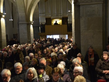 Imposante Orgel in strahlendem Schmuckkästchen: Ein schöner Tag für die Gemeinde