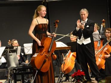 Weihnachtskonzert des Ruhrstadt Orchesters: schön zu hören. Und schön anzusehen