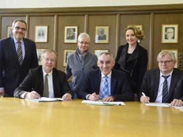 Kooperationsvertrag soll berufliche Integration sichern