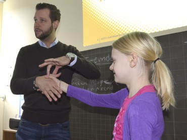 Benimm ist in: Kniggecoach Björn Thiele lehrt Kindern das gute Benehmen