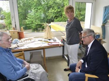 Hubert Hüppe besucht AWO-Seniorenzentrum in Schwerte