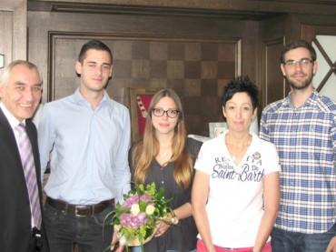 Bürgermeister gratuliert Nachwuchskräften zur bestandenen Prüfung