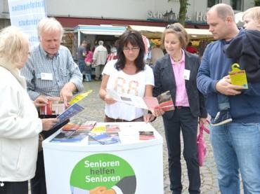 Seniorenberater informierten auf dem Schwerter Marktplatz