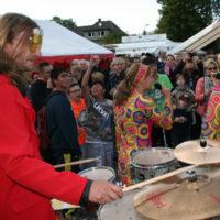 Von der Gemeinde für die Gemeinde: Holzen feiert
