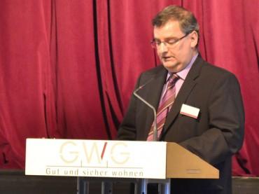 Grundstück und Gemeinschaftsraum: GWG bietet Stadt und Sport Hilfe an
