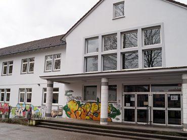 Politik kritisiert Verwaltung und schiebt zwei Beschlüsse in den Rat
