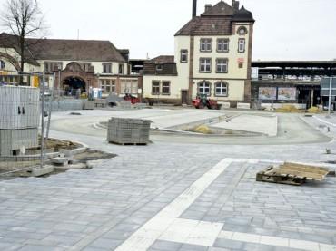 Pünktlich wie die Eisenbahn: Umgestaltung des Bahnhofsvorplatzes im Zeitplan