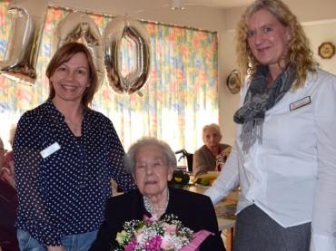 Elfriede Wübbecke feierte 100. Geburtstag im Klara-Röhrscheidt-Haus