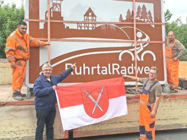 Neue Hinweisschilder weisen auf den RuhrtalRadweg hin