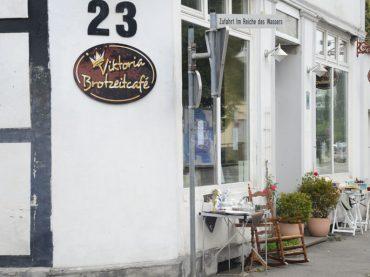 """Brotzeitcafé Viktoria schließt die Pforten – """"Der Barbierladen"""" in der Ostenstraße"""