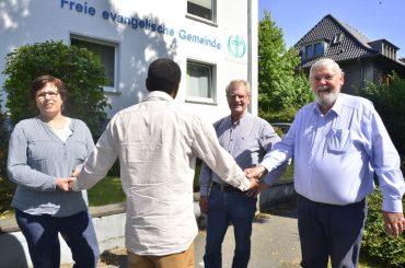 Ziel erreicht: Amadou B. beendet Kirchenasyl in der Freien evangelischen Gemeinde