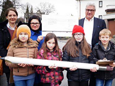 """Material und Outfits für die """"Ruhrstadtkinder"""" dank großzügiger Spende"""