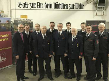 Besondere Ehrung für Dieter Andesen, Dietmar Eichmann und Bodo Schwierz: 50 Jahre für die Feuerwehr im Einsatz