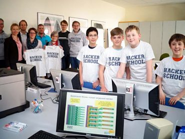 Erfolgreicher Start der Hacker School in Schwerte: Jugendliche gehen mit eigener App nach Hause