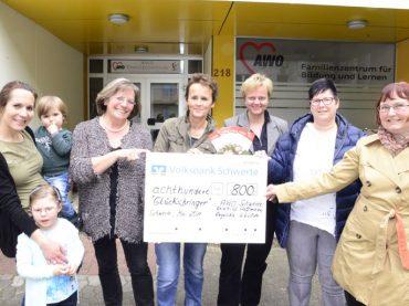 Aufwandsentschädigung gespendet: SPD-Ratsfrauen überreichen den Glücksbringern 800 Euro