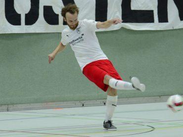 Holzpfosten ebnen den Weg in die Play-offs: 5:3 im Spitzenspiel in Köln