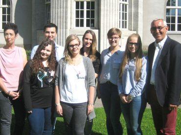 Sieben Nachwuchskräfte traten ihren Dienst im Rathaus an