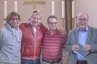 Theo Spanke spielt Soulballads in evangelischer Kirche in Holzwickede
