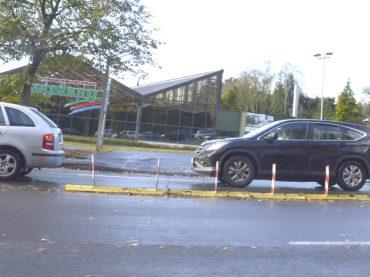 Linksabbiegespur zum Gartencenter: Wenden in der Bergstraße ist nach dem Umbau der B236 nicht mehr nötig