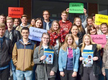 FBG-Schüler auf der Suche nach historischen Ansichten von Schwerte
