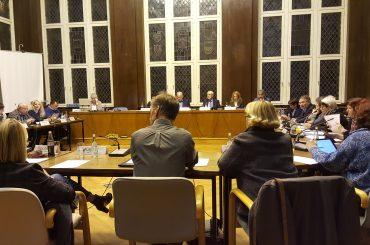 Verkleinerung des Rates: Politik lehnt Verwaltungsvorstoß ab