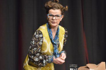 Frieda Braun, das Nacktschwimmen bei Walgesang und eine Verlosungsaktion des Ruhrtal Journals