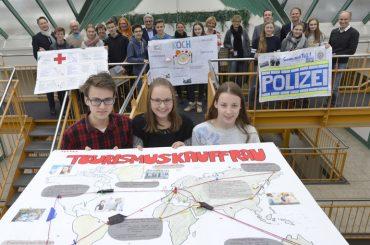 US-2 honoriert starkes Engagement von Schülerinnen und Schülern
