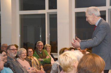 Ein Villigster kehrt zurück: Henning Scherf feiert das Leben