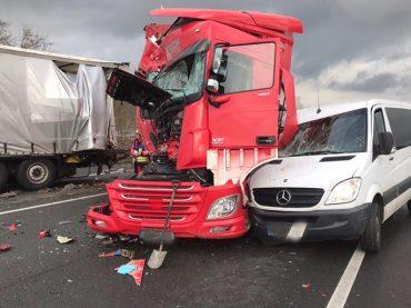 Fünf Verletzte bei Unfall auf der Autobahn