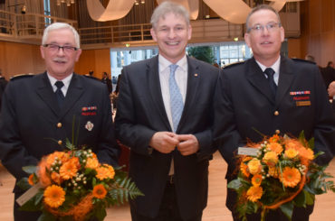 Urgestein der Feuerwehr: Landrat Makiolla verabschiedet Ulrich Peukmann