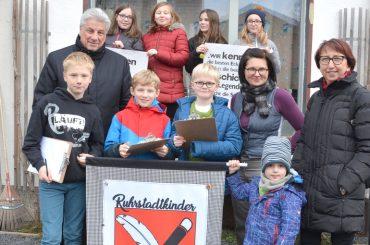 Ratsherr Egon Schrezenmaier spendet für die Ruhrstadtkinder