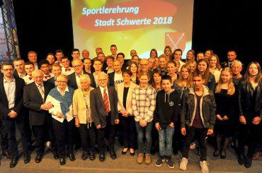 Stadt Schwerte ehrte ihre Sportlerinen und Sportler – Sportlerehrenteller für Uschi Brauckhoff