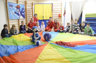 DLRG und Nivea: Kindergartentag im Regenbogen