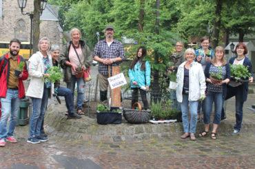 Naschen erlaubt: Freiwillige bepflanzen Beete für alle Schwerter