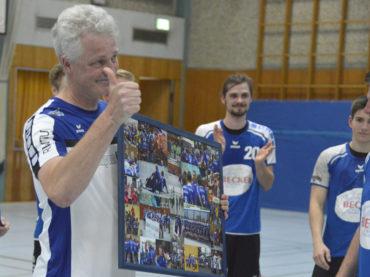HVE gewinnt das Derby, aber die HSG bleibt trotzdem drin – Abschied von Trainer Dirk Mimberg