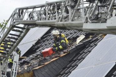 In Westhofen: Blitz löst Dachstuhlbrand aus