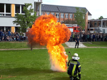 Feuerwehr zu Gast am Ruhrtal-Gymnasium