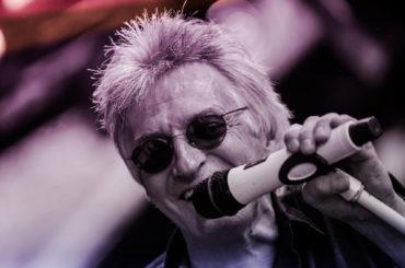 Heute Abend in Iserlohn: Robin Stone mimt Rod Stewart
