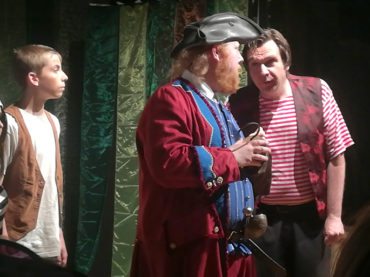 Peter Pan im Theater am Fluss: Das Junge Ensemble erkundet Nimmerland