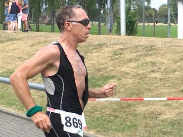 Triathlon: Peter Schubert in der AK 65 nicht zu schlagen