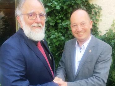 Neuer Lions-Präsident: Tobias Bäcker beerbt Helmut Bernhardt