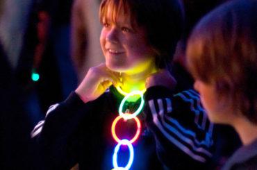 Das kannst du knicken: Licht und Leidenschaft für das Welttheater
