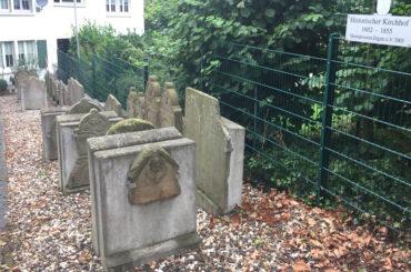 Historischer Ergster Kirchhhof: Bürgermeister Axourgos sagt Heimatverein Unterstüzung zu